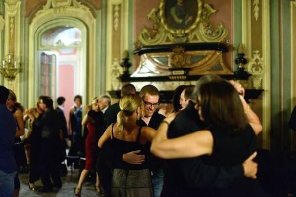 Tango al Salone Estense (inserita in galleria)