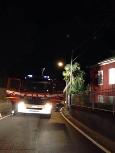 i vigili del fuoco alla mezzanote prima di arrivare alla prima cappella di sacromonte (inviata tramite iPhone app)
