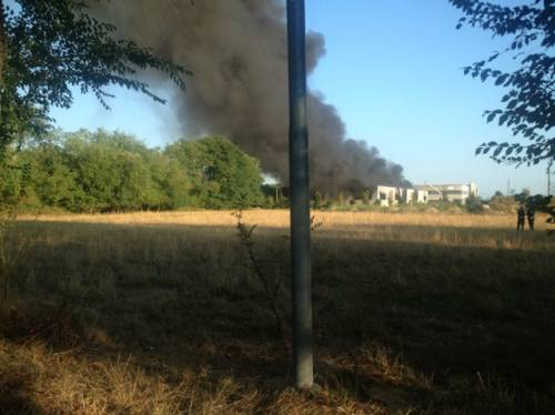 incendio capannone busto arsizio sud - villa cortese (inviata tramite iPhone app)