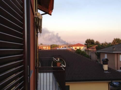 Incendio villa cortese visto da Ferno