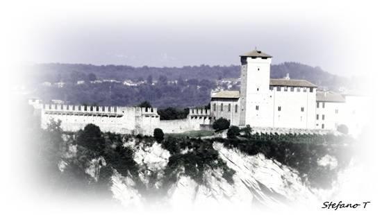 LA ROCCA D'ANGERA