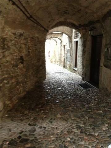 Quattro passi tra i vicoli di Castello Cabiaglio (inserita in galleria)
