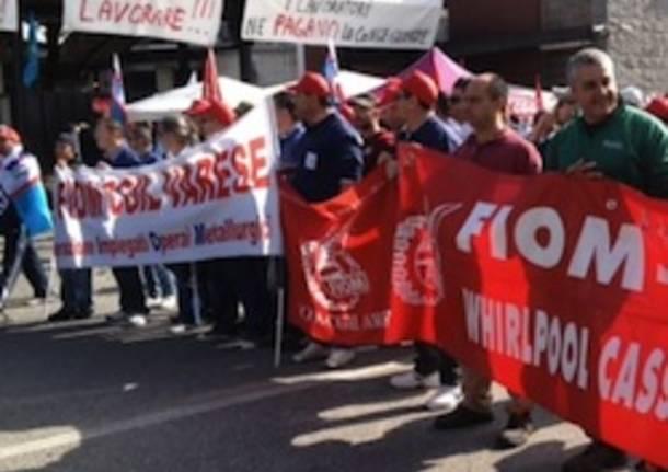 riva acciaio caronno pertusella protesta manifestazione operai apertura