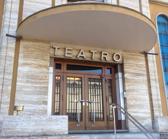 Al teatro di Chiasso (inserita in galleria)