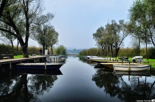 Il lago d'autunno (inserita in galleria)