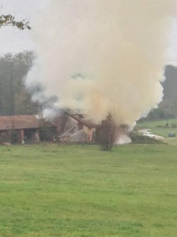 Incendio in un cascinale di Bardello (inserita in galleria)