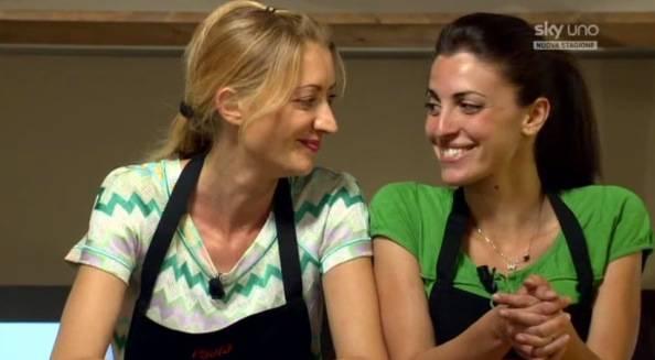 Paola e Marika scrivono un libro (inserita in galleria)