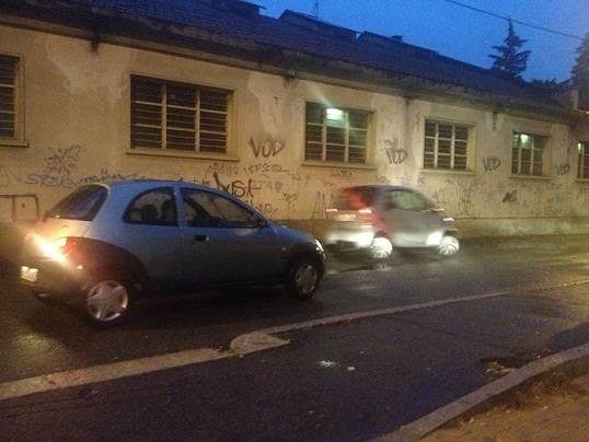 Parcheggi e macchine a Sciarè (inserita in galleria)