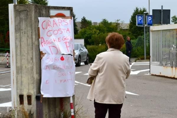 Protestano i lavoratori di Multimedica (inserita in galleria)