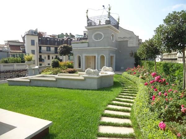 Un giardino pensile nel cuore di Milano (inserita in galleria)