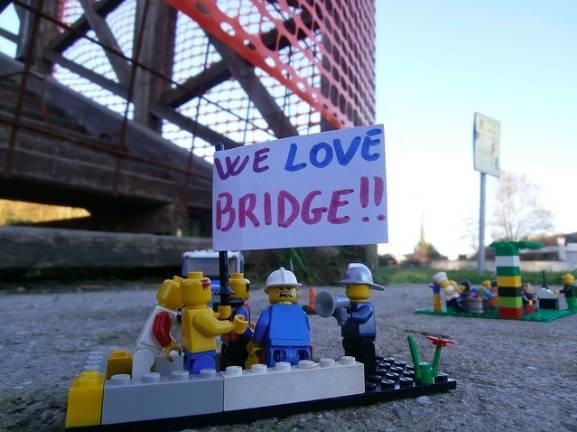 I Lego tornano a manifestare (inserita in galleria)