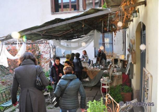 Il mercatino della Rasa, un successo garantito (inserita in galleria)