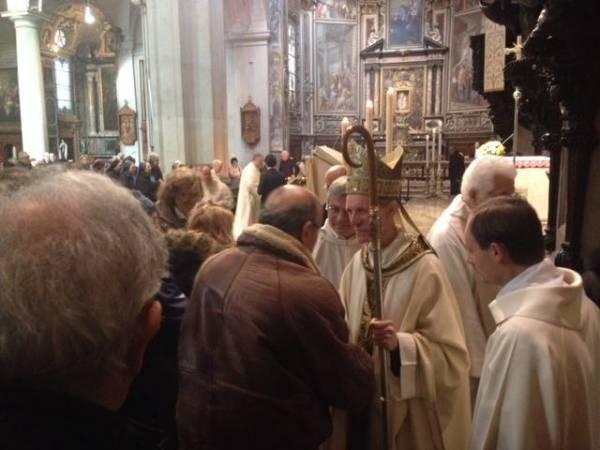 La messa solenne per la reliquia di Papa Giovanni Paolo II (inserita in galleria)
