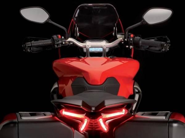 La Mv presenta Turismo Veloce, la moto 2.0 (inserita in galleria)