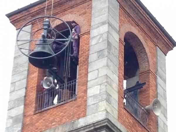 Le campane tornano sul campanile di Cazzago (inserita in galleria)