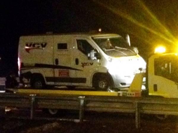 Portavalori in autostrada a Castronno interviene la polizia (inserita in galleria)