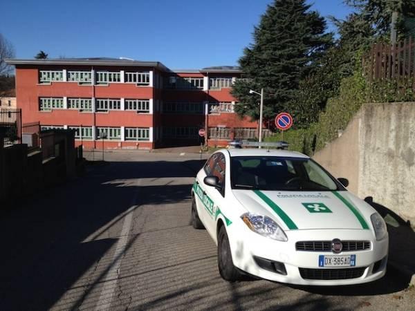 Tetto scoperchiato alla scuola di Castiglione Olona (inserita in galleria)