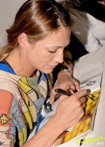 Valentina Arrighetti incontra i tifosi (inserita in galleria)