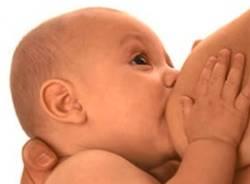 allattamento bimbo neonato