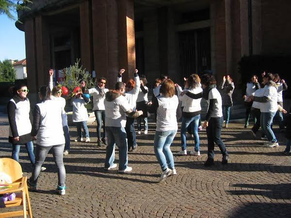 Flash mob per i servizi all'infanzia (inserita in galleria)