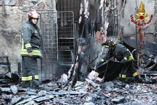 Incendio Gemonio/3 i danni (inserita in galleria)