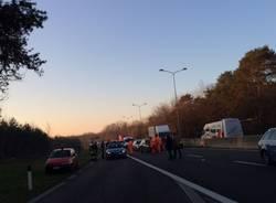 Incidente mortale in superstrada (inserita in galleria)