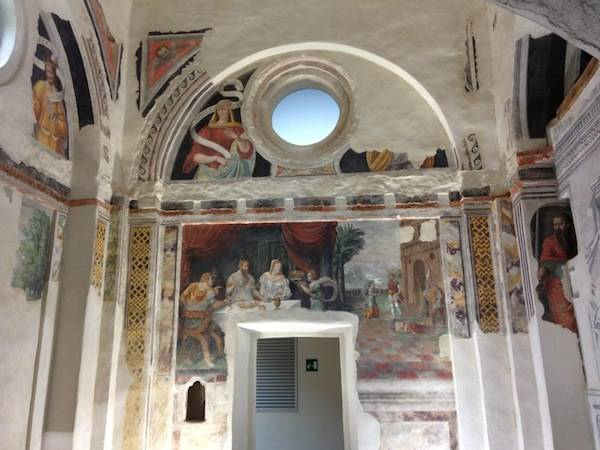 L'ex chiesa di San Giulio a Cassano Magnago (inserita in galleria)