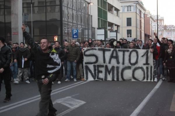 La protesta dei forconi a Gallarate (inserita in galleria)