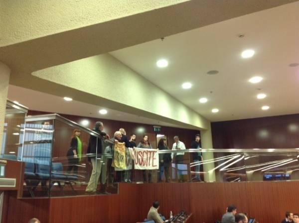 Protesta studenti in Consiglio Regionale (inserita in galleria)