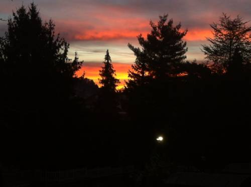 Rosso di mattina la pioggia si avvicina