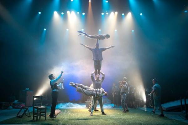 Teatro acrobatico a Saronno (inserita in galleria)