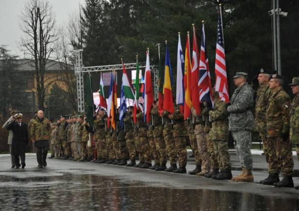 I militari della Nato celebrati in caserma (inserita in galleria)