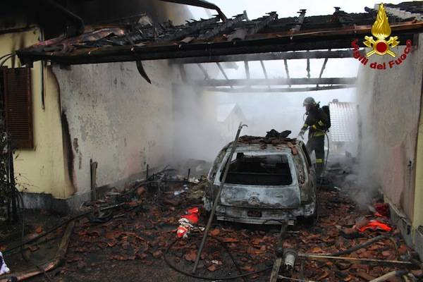 Incendio a Castelvecchio di Cunardo (inserita in galleria)