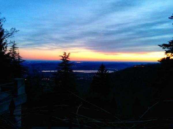 Magie del tramonto fra montagna e lago (inserita in galleria)