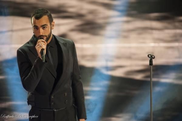 Marco Mengoni apre la quarta serata del festival  (inserita in galleria)