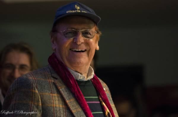 Renzo Arbore in conferenza stampa al Palafiori, Sanremo 2104 (inserita in galleria)
