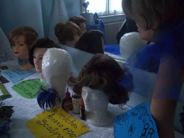 50 anni di storia dalla parrucchiera (inserita in galleria)