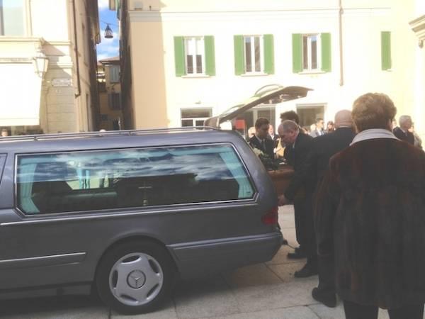 Ai funerali di Francesco Musajo Somma (inserita in galleria)