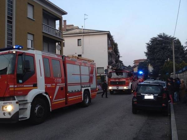 Allarme incendio in via Mameli a Gallarate (inserita in galleria)
