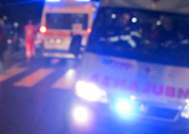 ambulanza notte apertura