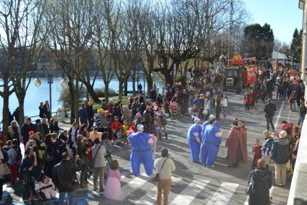 Carnevale a Sesto Calende (inserita in galleria)