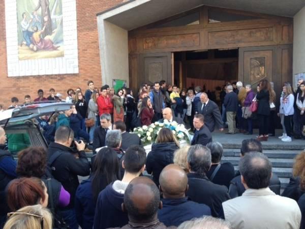 I funerali di Nicolas (inserita in galleria)