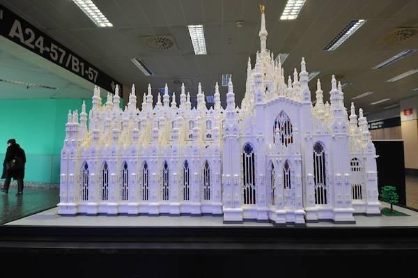 Il Duomo di Milano fatto di Lego (inserita in galleria)