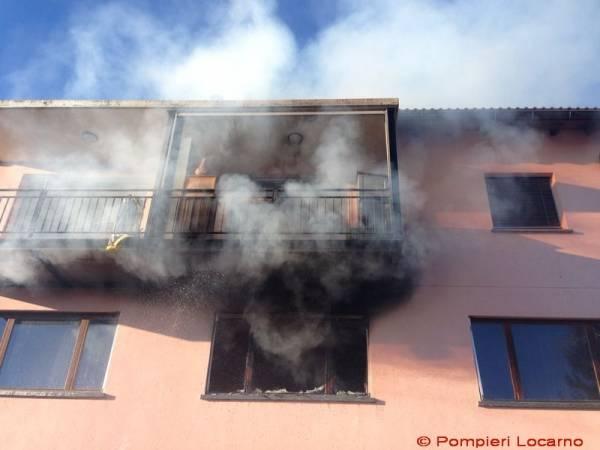 Incendio all'albergo del monte Brè (inserita in galleria)