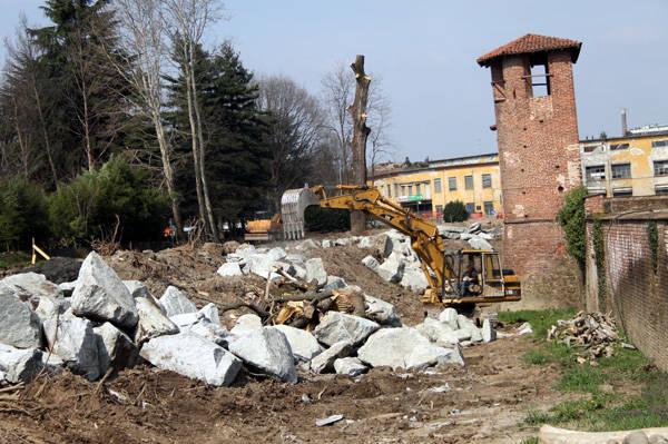 Lavori al Castello di Legnano (inserita in galleria)