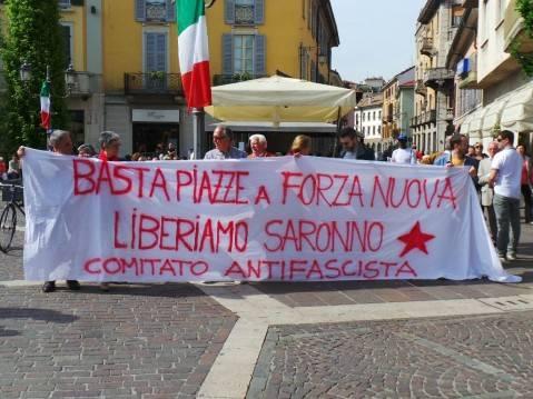 25 aprile di protesta a Saronno (inserita in galleria)