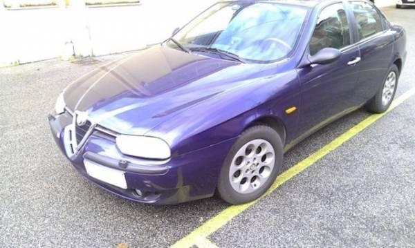 Auto blu ancora in vendita (inserita in galleria)