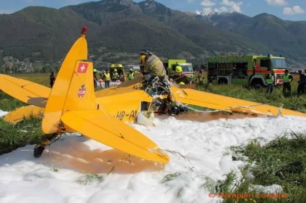 Cade piccolo aereo, salvato il pilota (inserita in galleria)