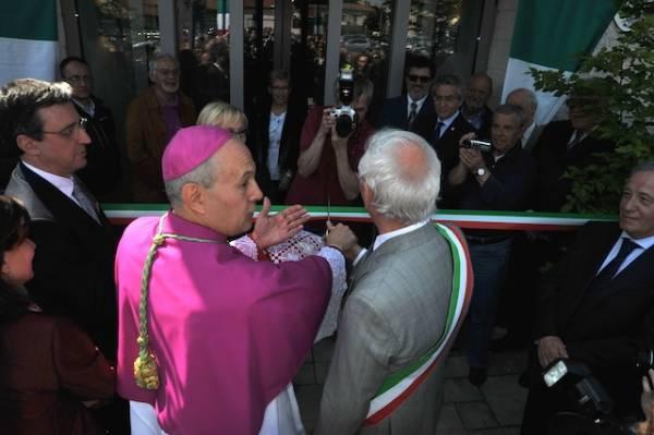 Inaugurato il nuovo municipio di Cavaria (inserita in galleria)