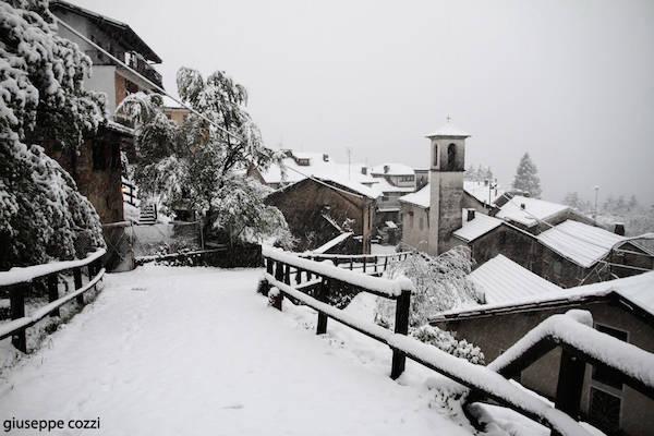 Pasqua con la neve a Boarezzo  (inserita in galleria)